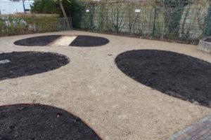 halfverharding in ronde vormen belevingstuin
