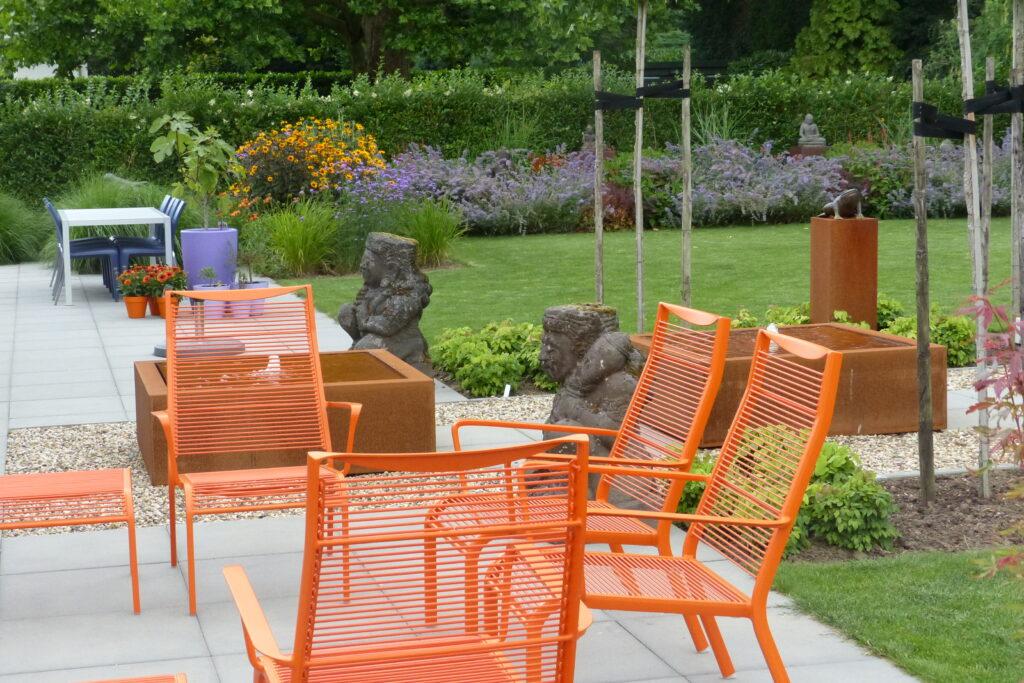 oranje in de tuin